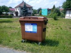 V obci byly rozmístěny kontejnery nabioodpad - červen 2011