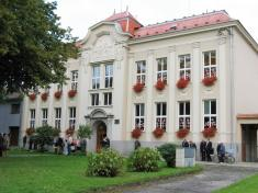 Zápis prvnáčků, budova ZŠ - 1.9. 2010