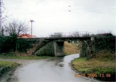 2005 - průjezd podželezničním mostem